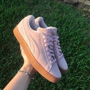 Puma Pale Pink sneakers gum sole Sz. 7